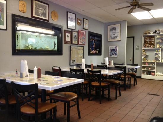 A real bbq joint miss myra 39 s pit bar b q cahaba for Food bar in cahaba heights