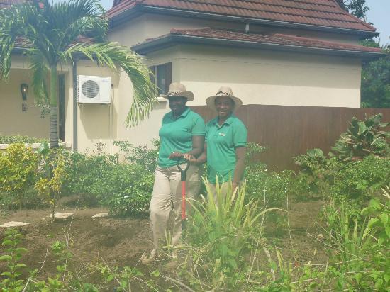 Buccament Bay Resort: The hard working Lady Gardeners
