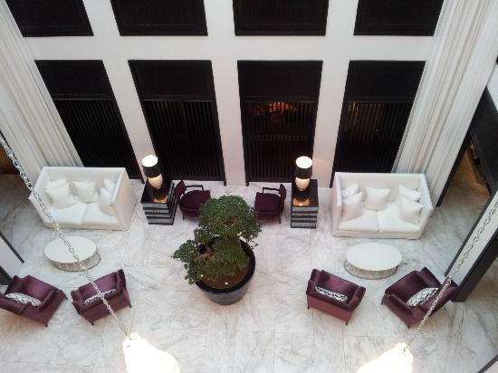 Queen Victoria Hotel: Lobby