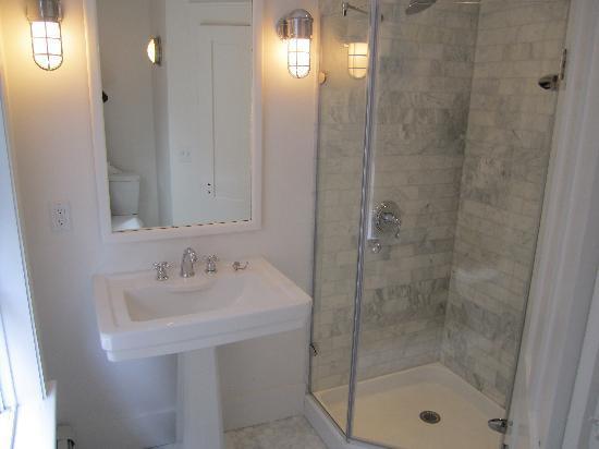 Crew's Quarters : New Bath Floor One