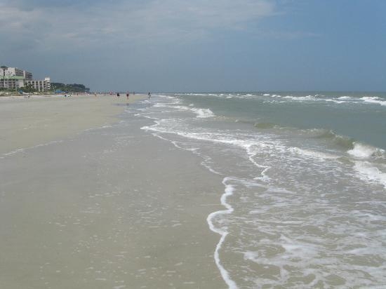 Disney's Hilton Head Island Resort: The beach near the pool house
