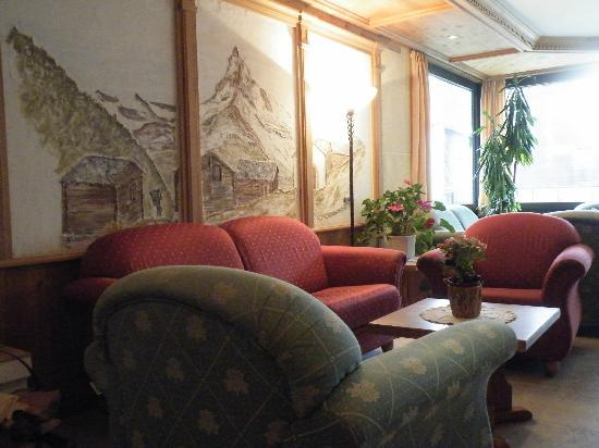 Hotel Matterhornblick : Salon du hall