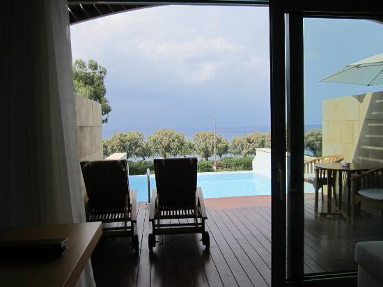 Amathus Elite Suites: room pool