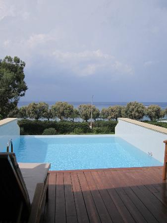 Elite Suites by Amathus Beach: room pool