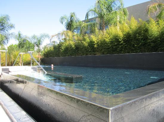 Amathus Elite Suites : elite suites pool area