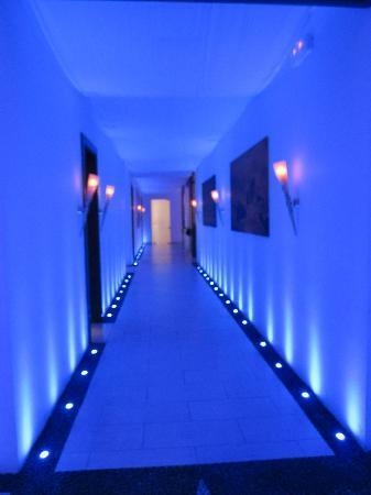 Amathus Elite Suites: Spa