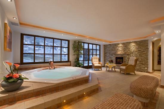 Hotel Alpin: Wellness Whirlpool