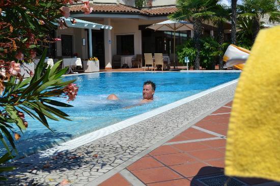 Hotel Madrigale: Lækker, lækker, lækker pool :-)