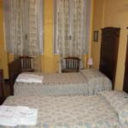 Albergo Locanda Alambra : camera 3 con bagno condiviso