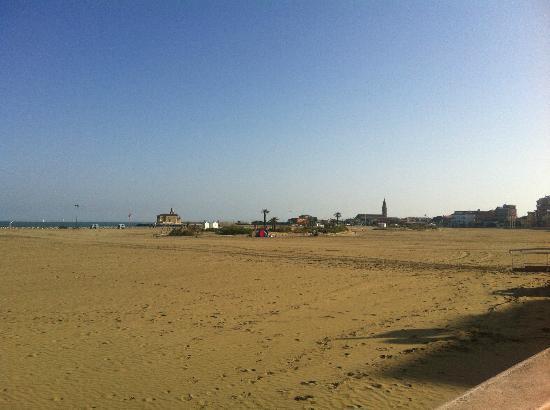 Hotel Sanremo: La spiaggia
