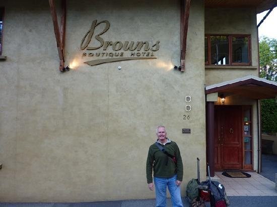 Browns Boutique Hotel: Front