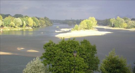 La Basinierre: vue sur le îles du confluent Loire Vienne
