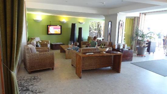 Best Western Hotel La Rade: le salon de l'hotel