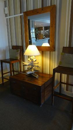 BEST WESTERN Hotel La Rade: un coin du hall d'entrée