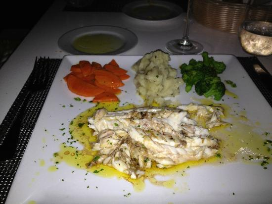 Grilled snapper picture of dolce vita sandy ground for Anguille cuisine