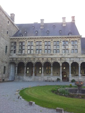 Château de Harzé : Hauptgebäude - Rückseite