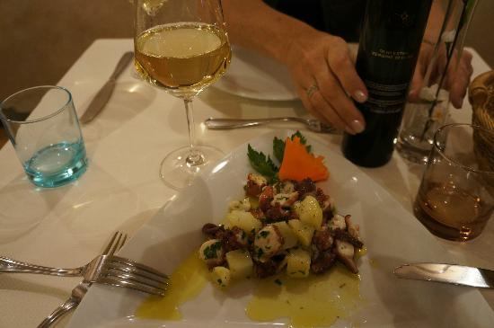 La Botte: octopus and potatoes with olive oil