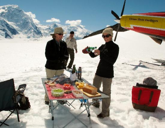 Ultima Thule Lodge: Lunch on a glacier