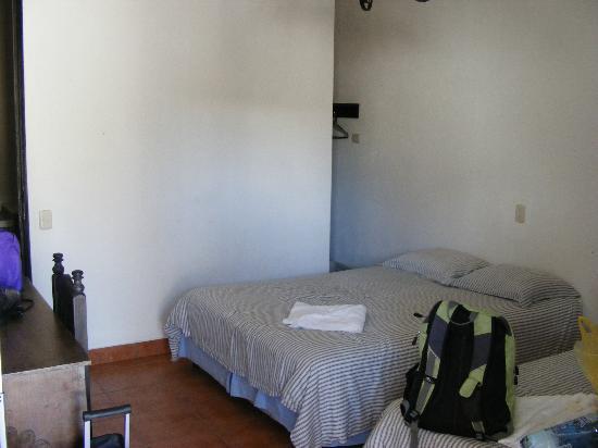Mikaso Hotel Resto: Room 10C