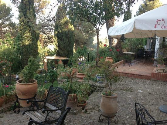 Hotel Jardin de la Muralla: Jardines