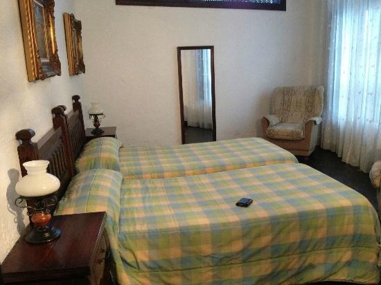 Hotel Jardin de la Muralla: Cama
