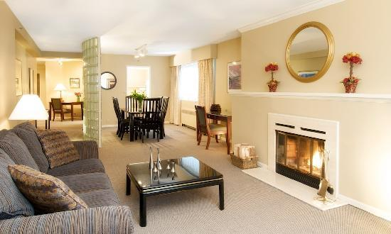 Rosellen Suites At Stanley Park: Sample 2-Bedroom 2-Bath Classic King