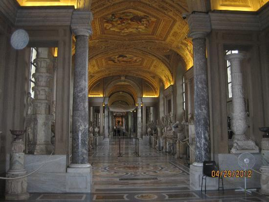 Access Italy Tours: Vatican Museuem