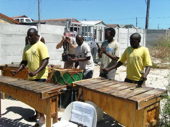 Hajo's Lodge: Marimba-Band (Township-Führung by Hajo)