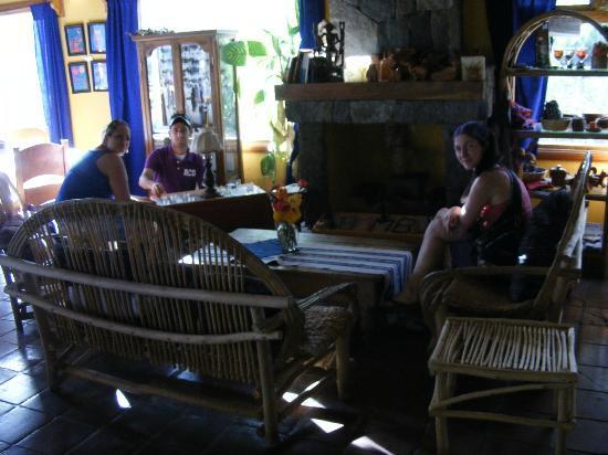 Hotel and Restaurant Bambu: Lobby, restaurant and bar