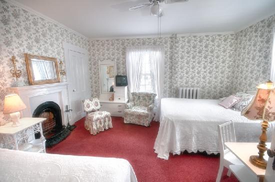 Telegraph House Hotel: Dr. Alexander Graham Bell's Room