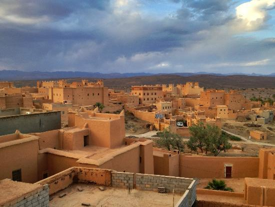 Sahara Exploring Expedition Day Tours: From the rooftop of the kasbah