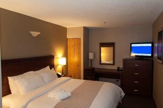 Canad Inns Destination Centre Fort Garry : one of the bedrooms