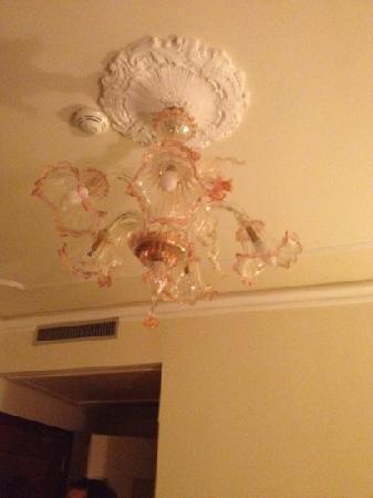 Hotel San Luca: tacky