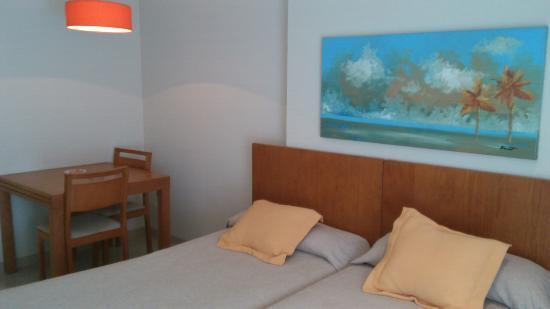 Aparthotel Bahia: Habitación