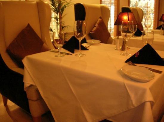 Ruth's Chris Steak House: Interior (table)