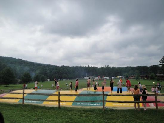 Yogi Bear's Jellystone Park Camp-Resort Luray: Jumping Pillows