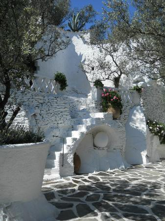 Cadaques, Španělsko: garden area