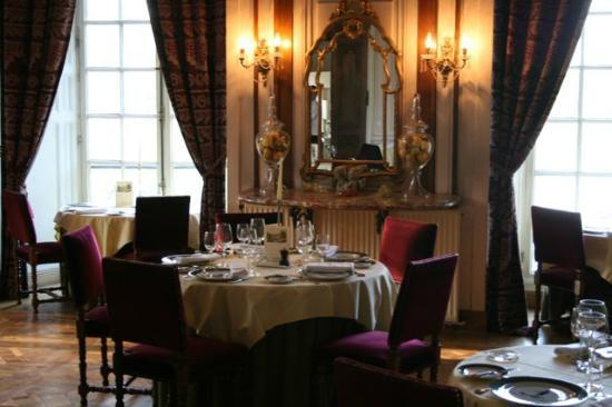 Ermenonville, France : The dining room, fully formal setting