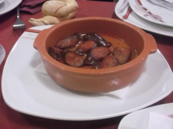El Yantar d'Aldea: Chorizos a la sidra.