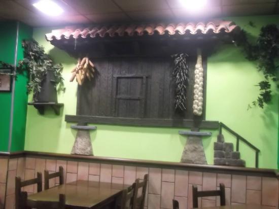 El Yantar d'Aldea: Vista de un órreo (decoración ).