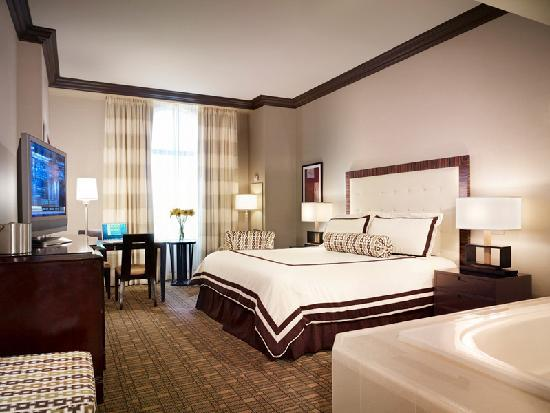 Ameristar Casino Hotel Vicksburg: Hotel King Jacuzzi Room