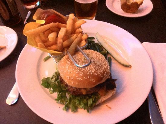 David Burke at Bloomingdales : Award Winning Juicy Burger !