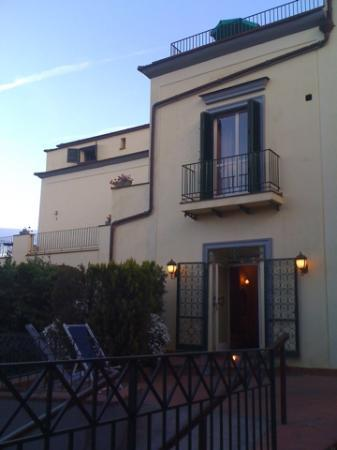 Front view of room and Villa Romita.