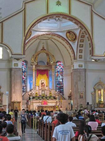 Altar in the Quiapo Church