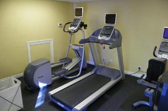 Residence Inn Seattle Bellevue: all there is in the fitness room