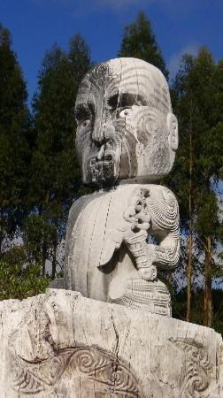 Wairakei Terraces  statue