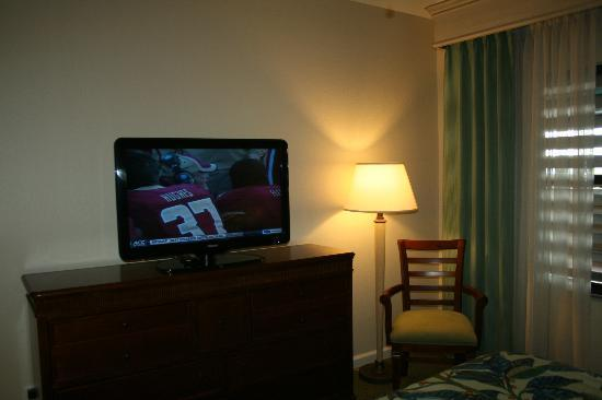 Plantation Beach Club at Indian River: Great televisions in living room and bedrooms