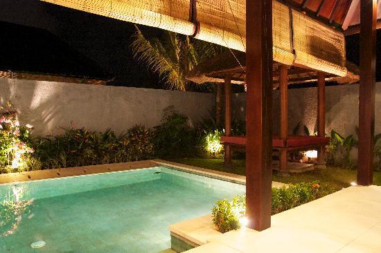 Katala Villas: pool