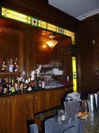 The Green Park Inn: bar