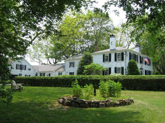 Candleberry Inn on Cape Cod: A stately centerpiece of the quaint bayside village of Brewster